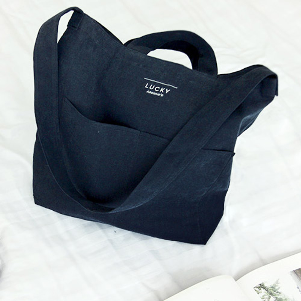 Navy - Around'D lucky shoulder bag tote