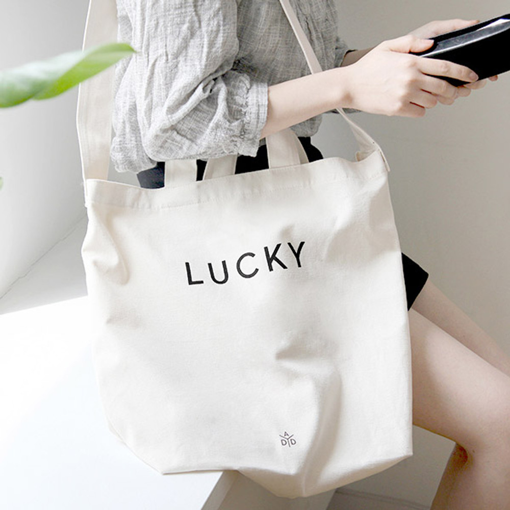 Ivory - Around'D lucky shoulder bag tote