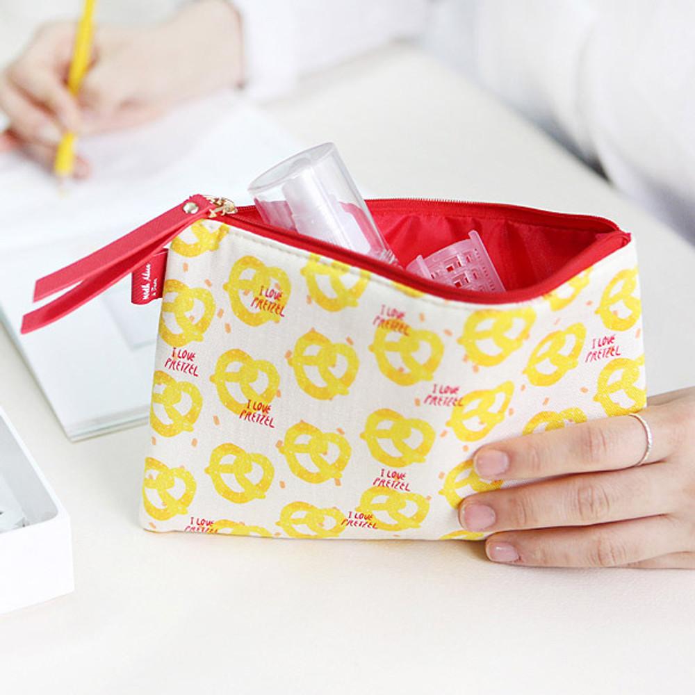 Pretzel - Rim pattern cotton slim zipper pouch