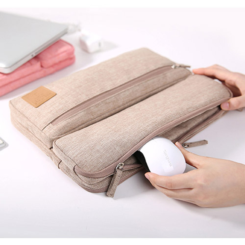 All in one organizer for laptop