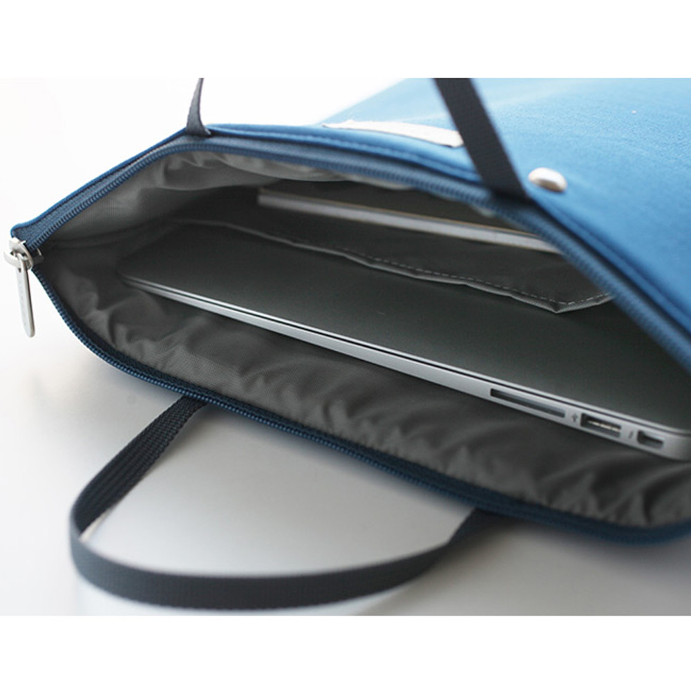 Detail of Agenda docdo zipper tote bag