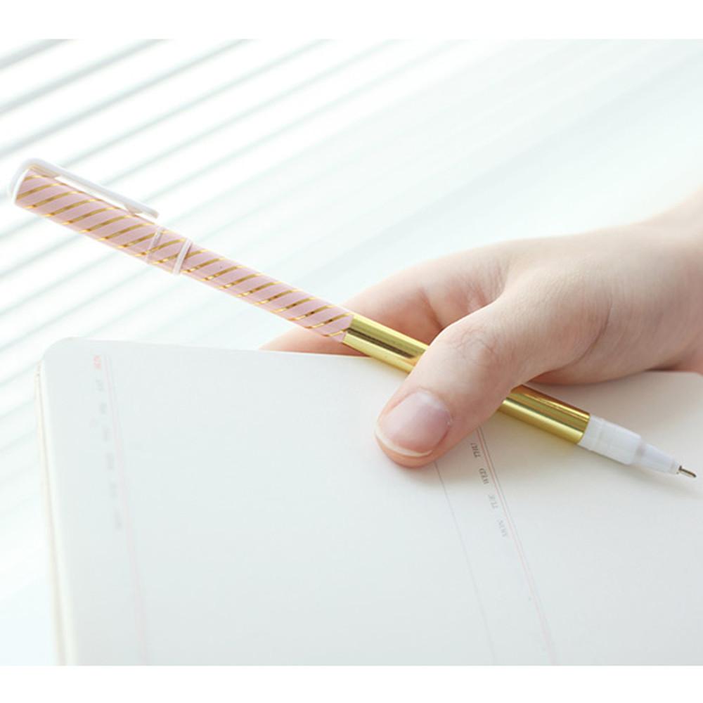 M - Pattern 0.5mm black ballpoint pen(gold)