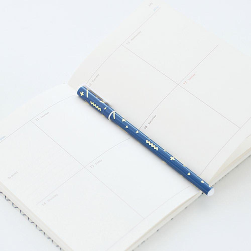 T - Pattern 0.5mm black ballpoint pen(gold)
