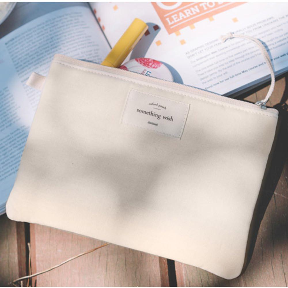 Milk ivory - Something wish oxford medium zipper pouch