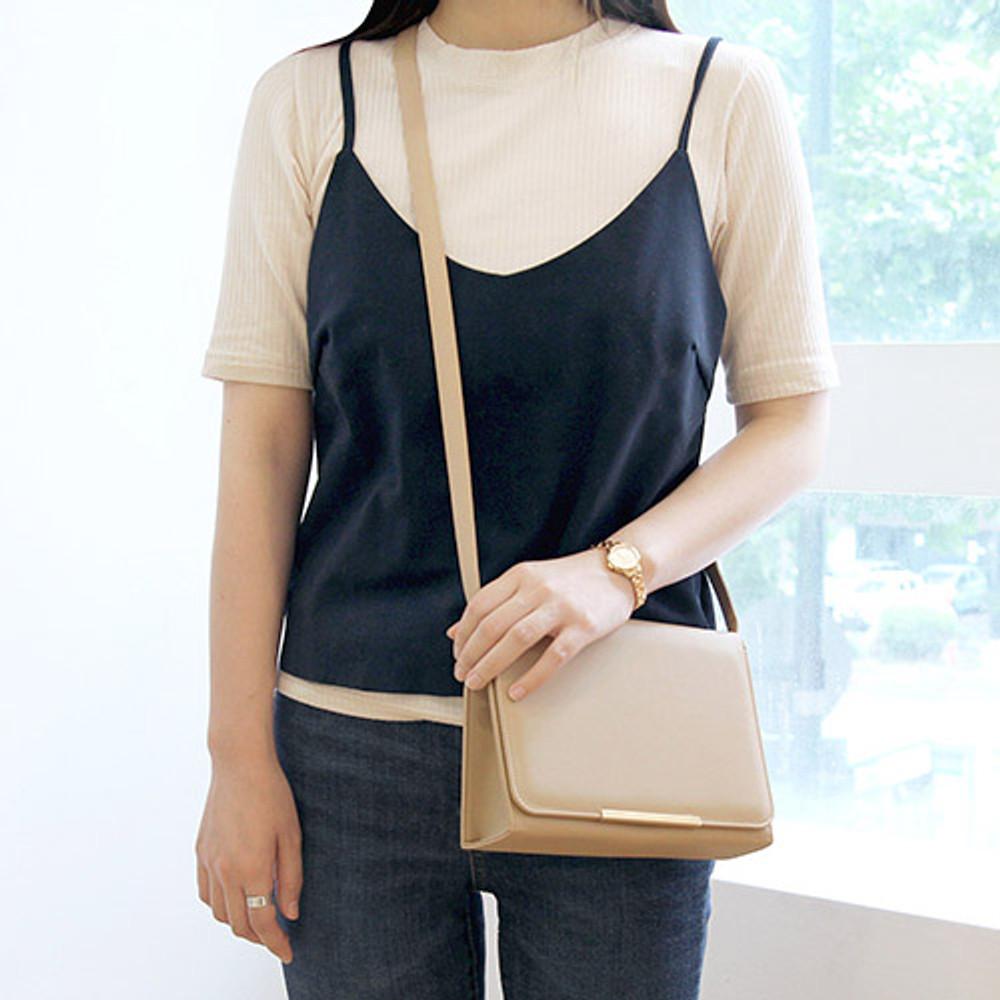 Beige - Classic Caily crossbody shoulder bag