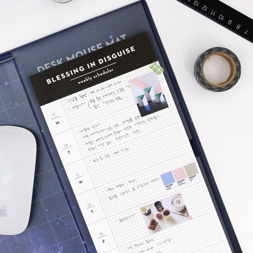 Desk side undated weekly scheduler planner