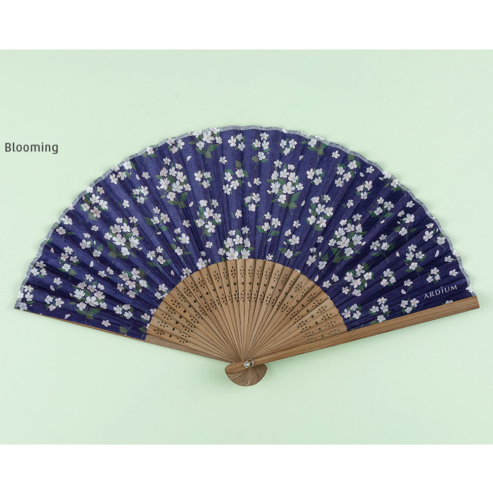 Blooming - Flower pattern lovely folding fan