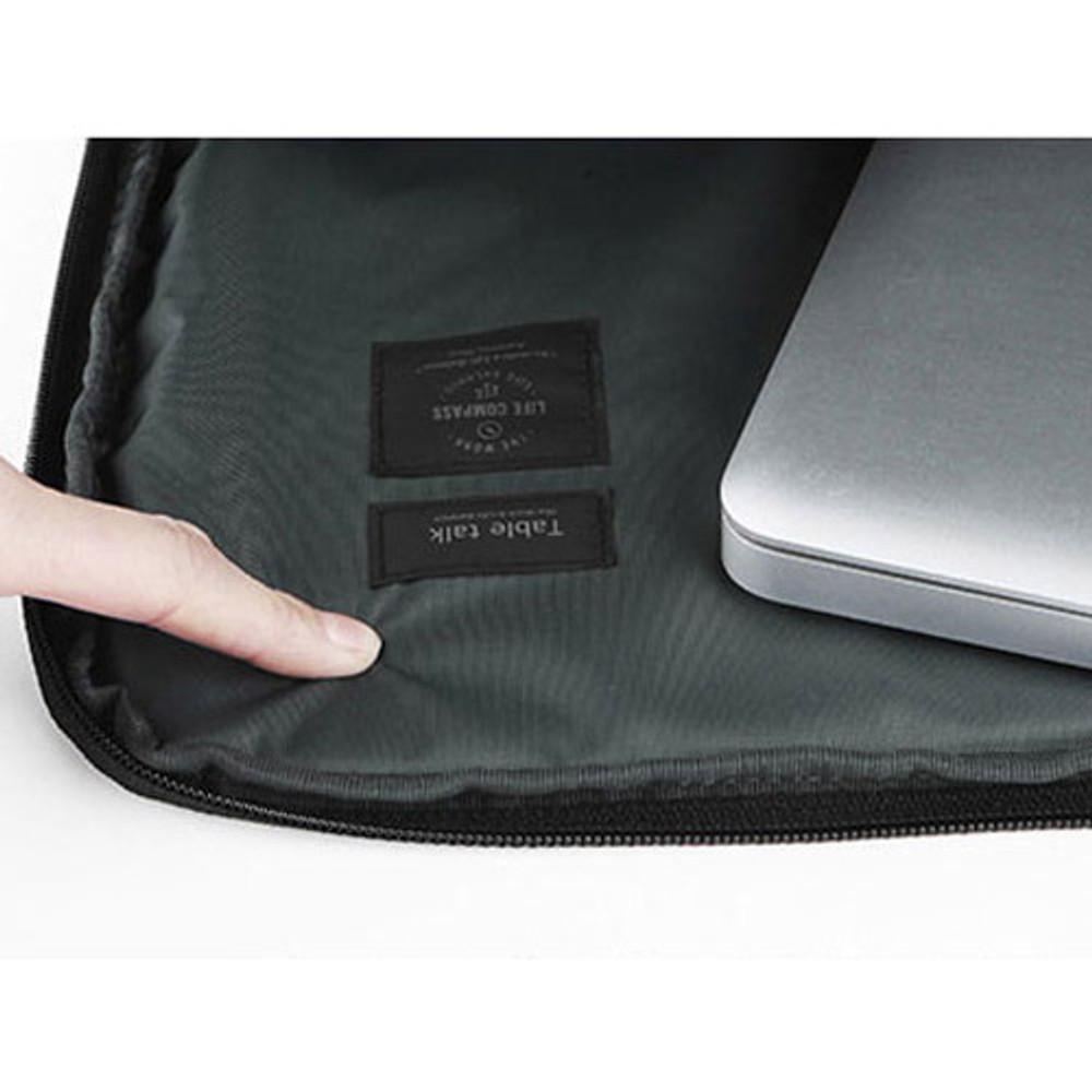 Table talk 15 inches laptop air mesh pouch