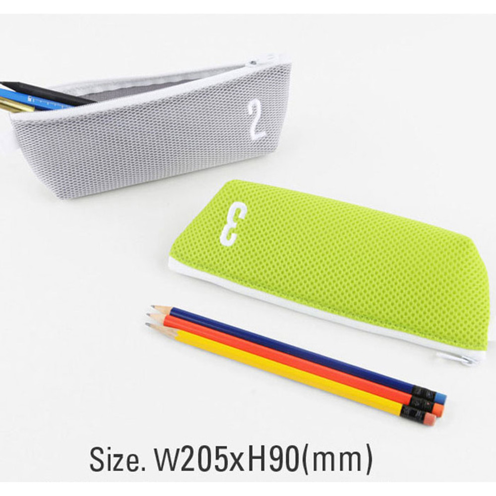 Size of Table talk air mesh pencil case