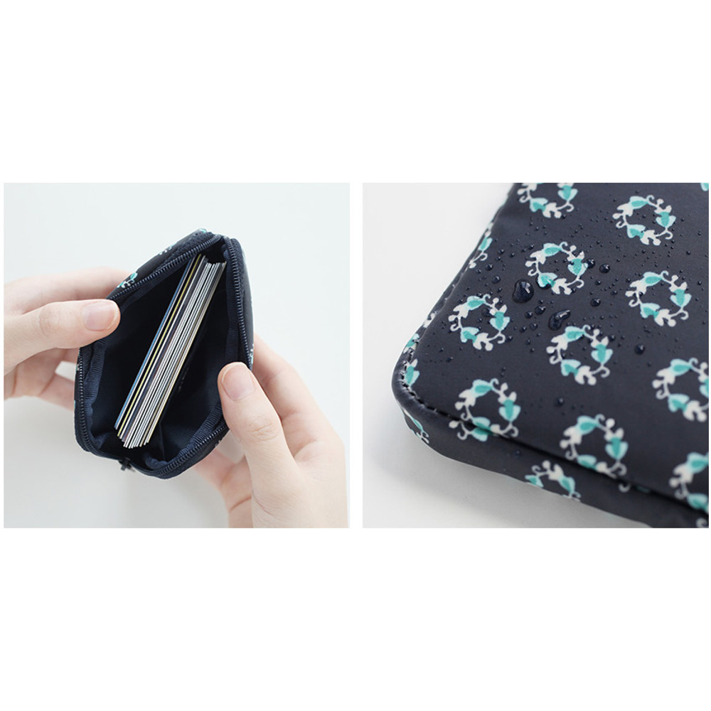Detail of Warm breeze pattern card case holder