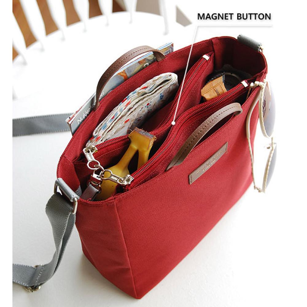 Magnet button - Holiday picks cross shoulder bag
