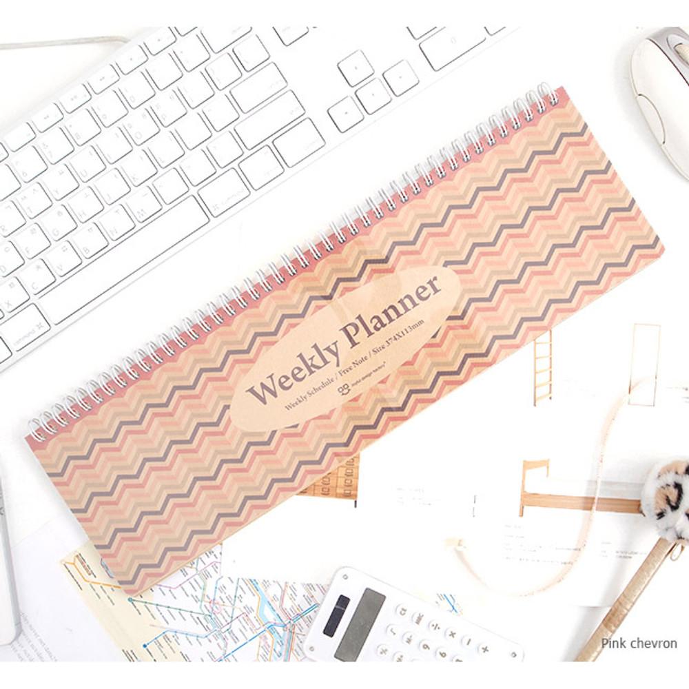 Pink chevron - Wirebound kraft undated weekly desk planner