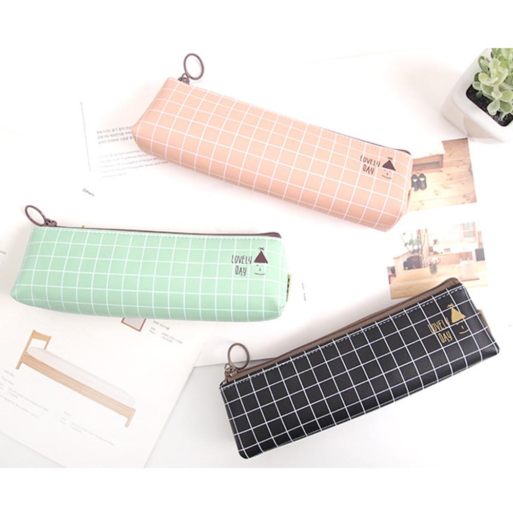 Pastel check pattern zipper pencil case