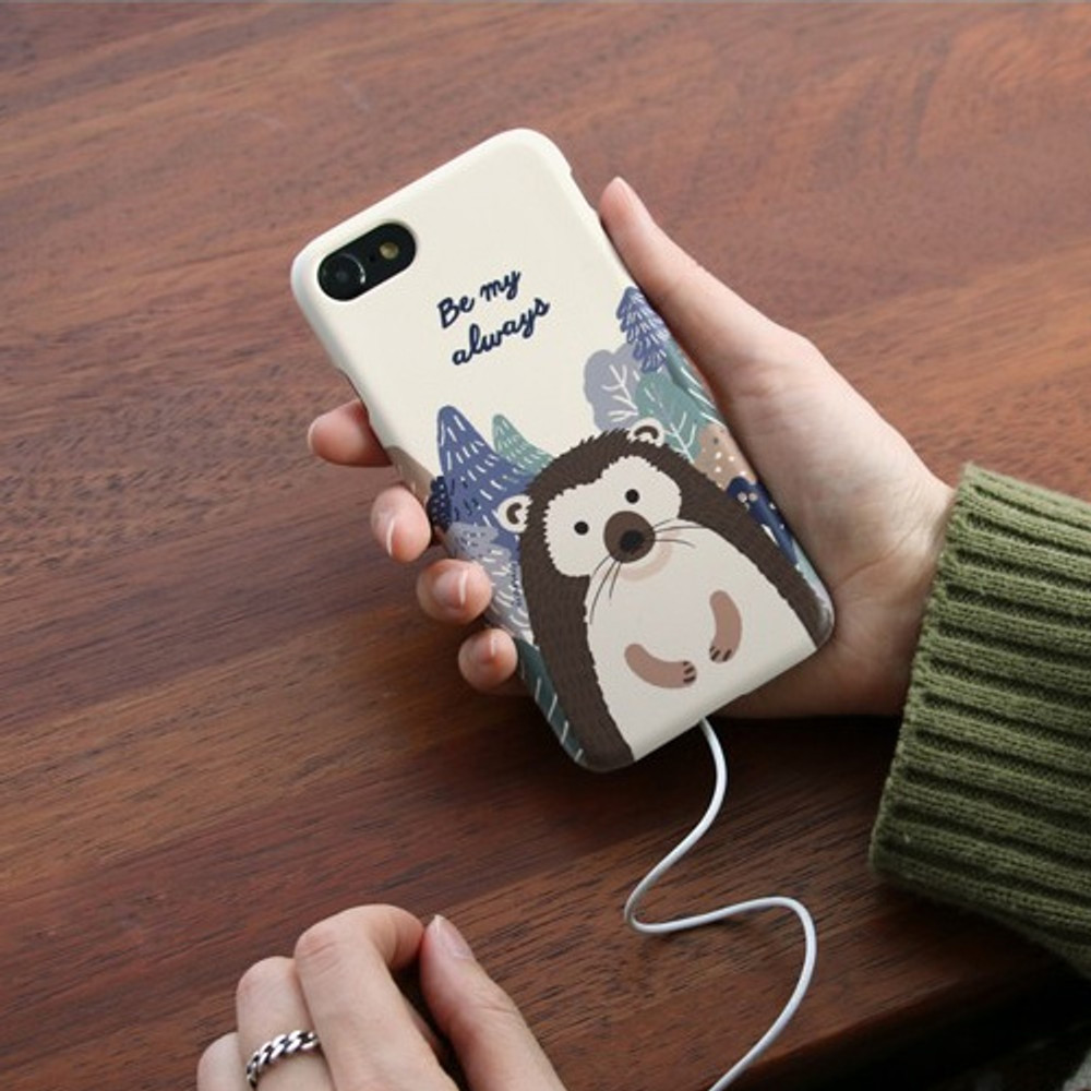 Hedgehog - Iconic Pattern matte plastic hard case for iPhone 7