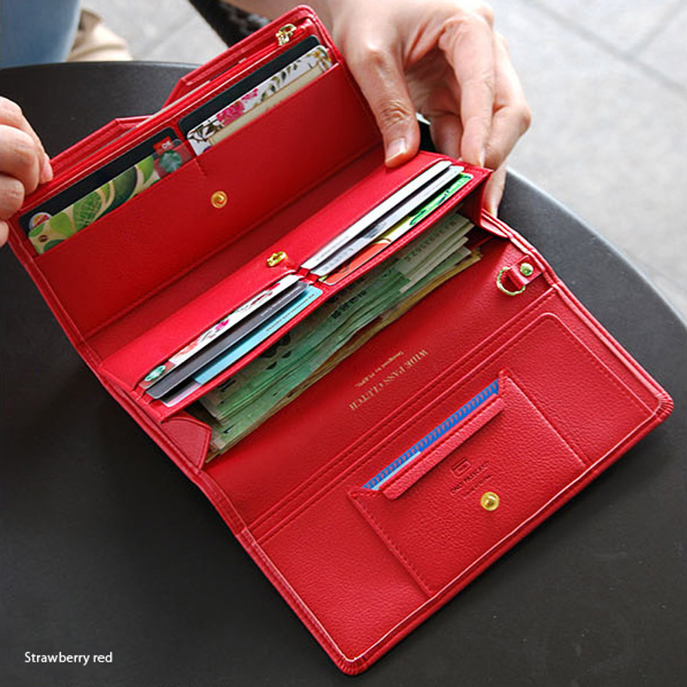 Strawberry red - Wide pass slim clutch wallet