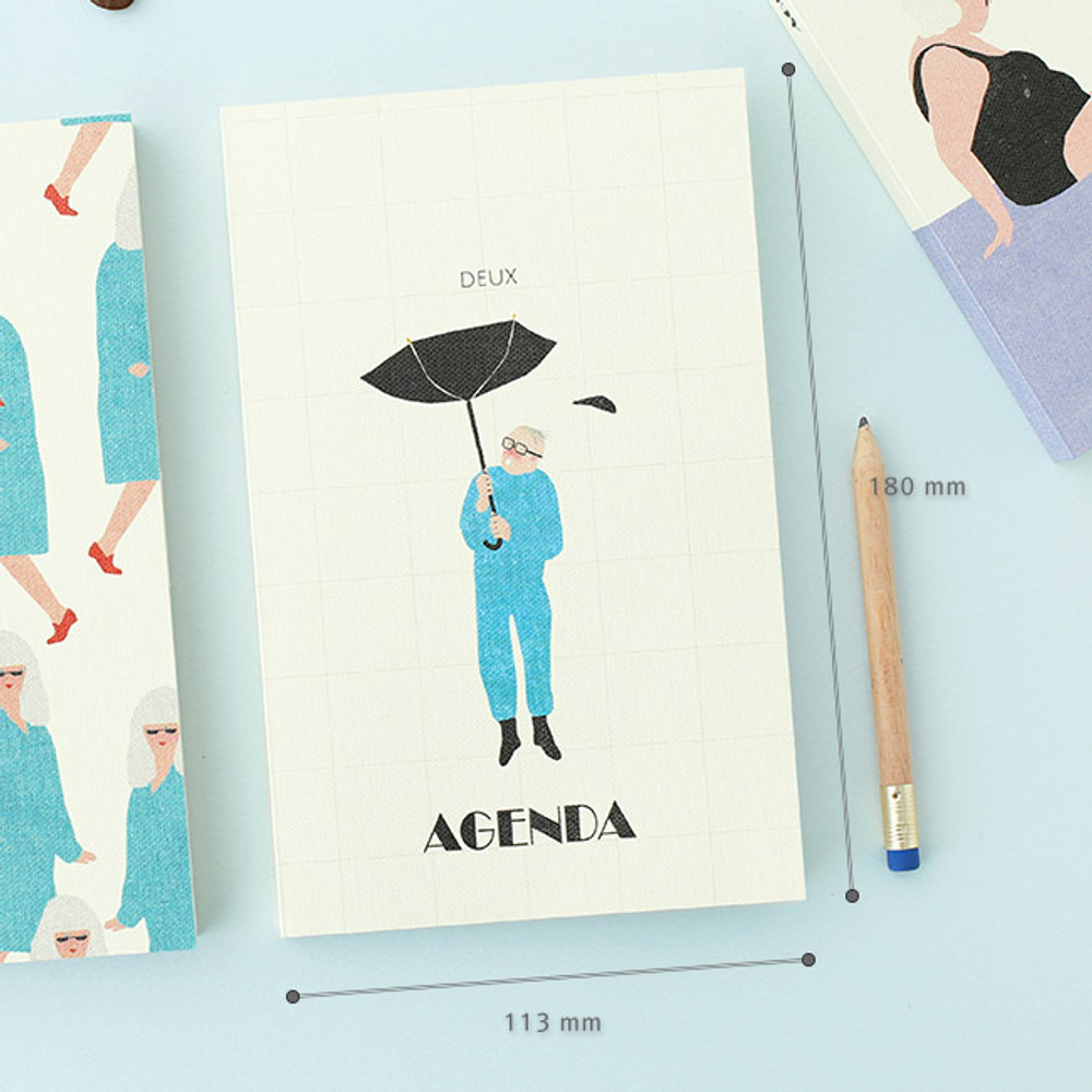 Size of  Mon petit agenda weekly undated diary scheduler