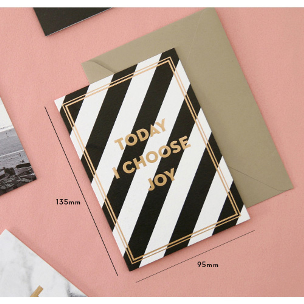 Size of Gold accent message card with envelope
