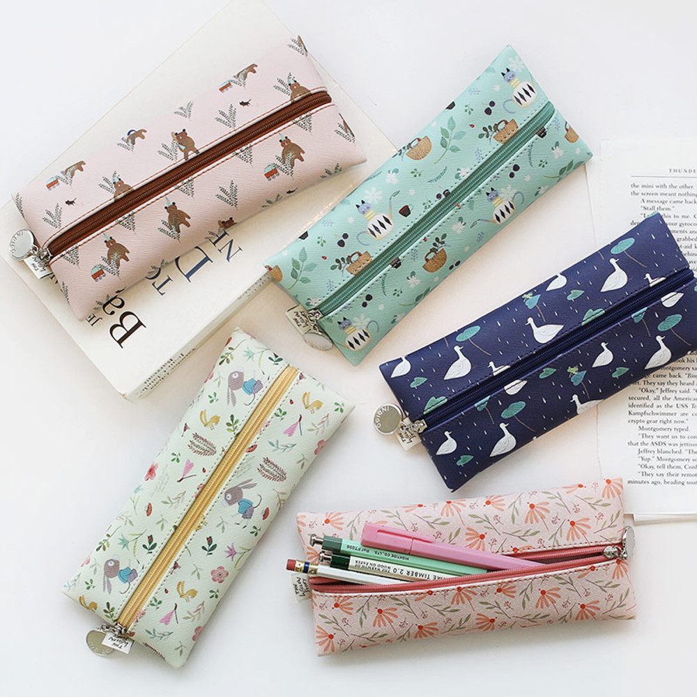 Willow illustration pattern zipper pencil case