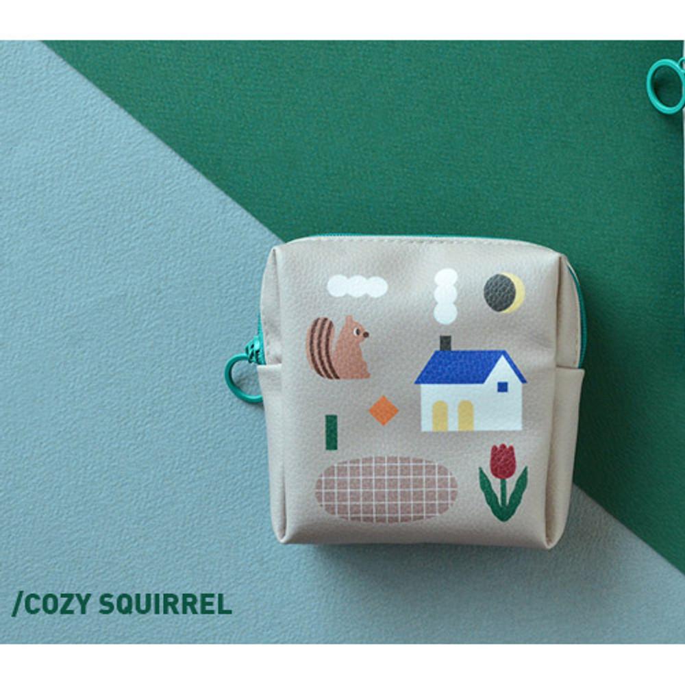 Cozy squirrel - Du dum charming illustration zipper pouch