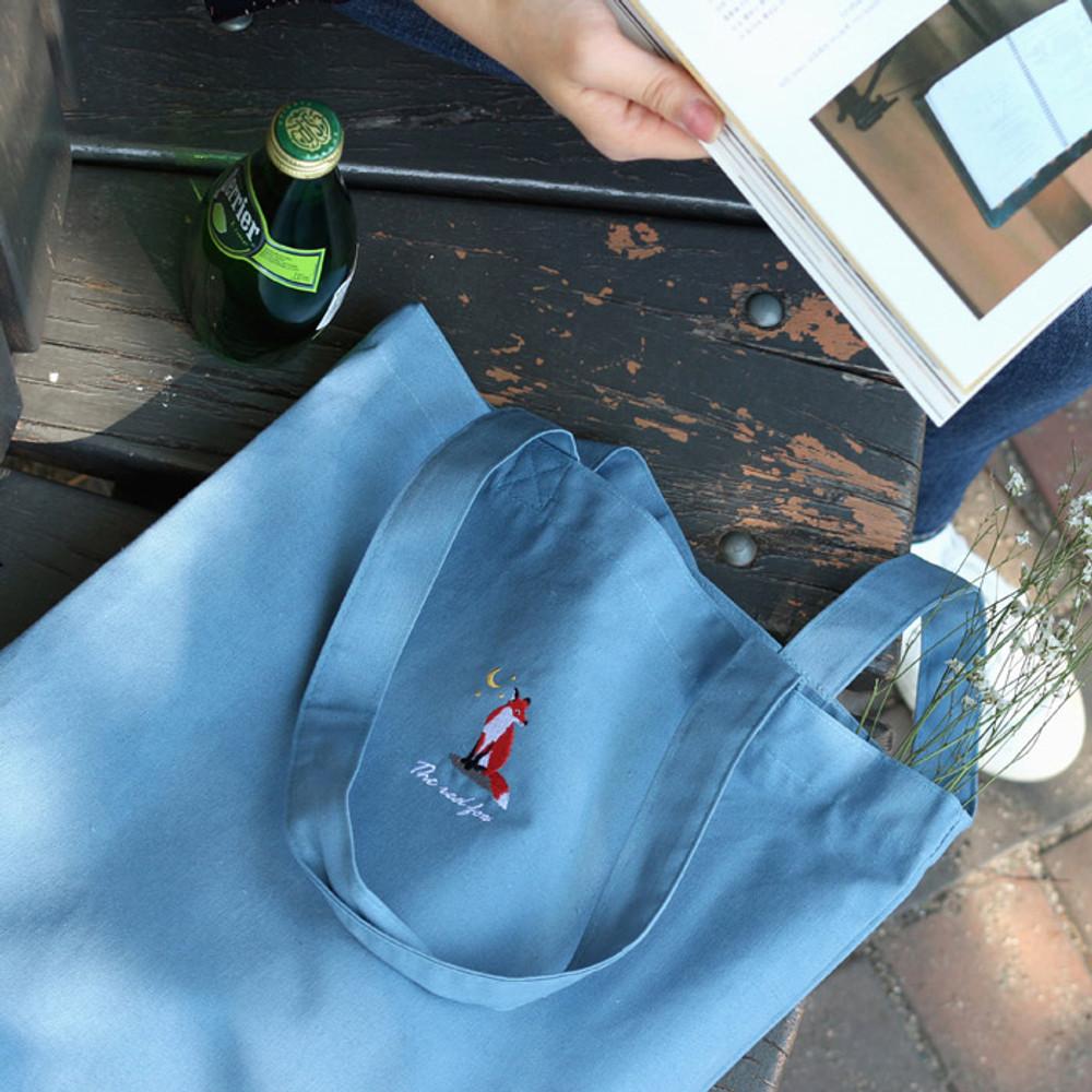 Fox - Tailorbird animal space shoulder tote bag