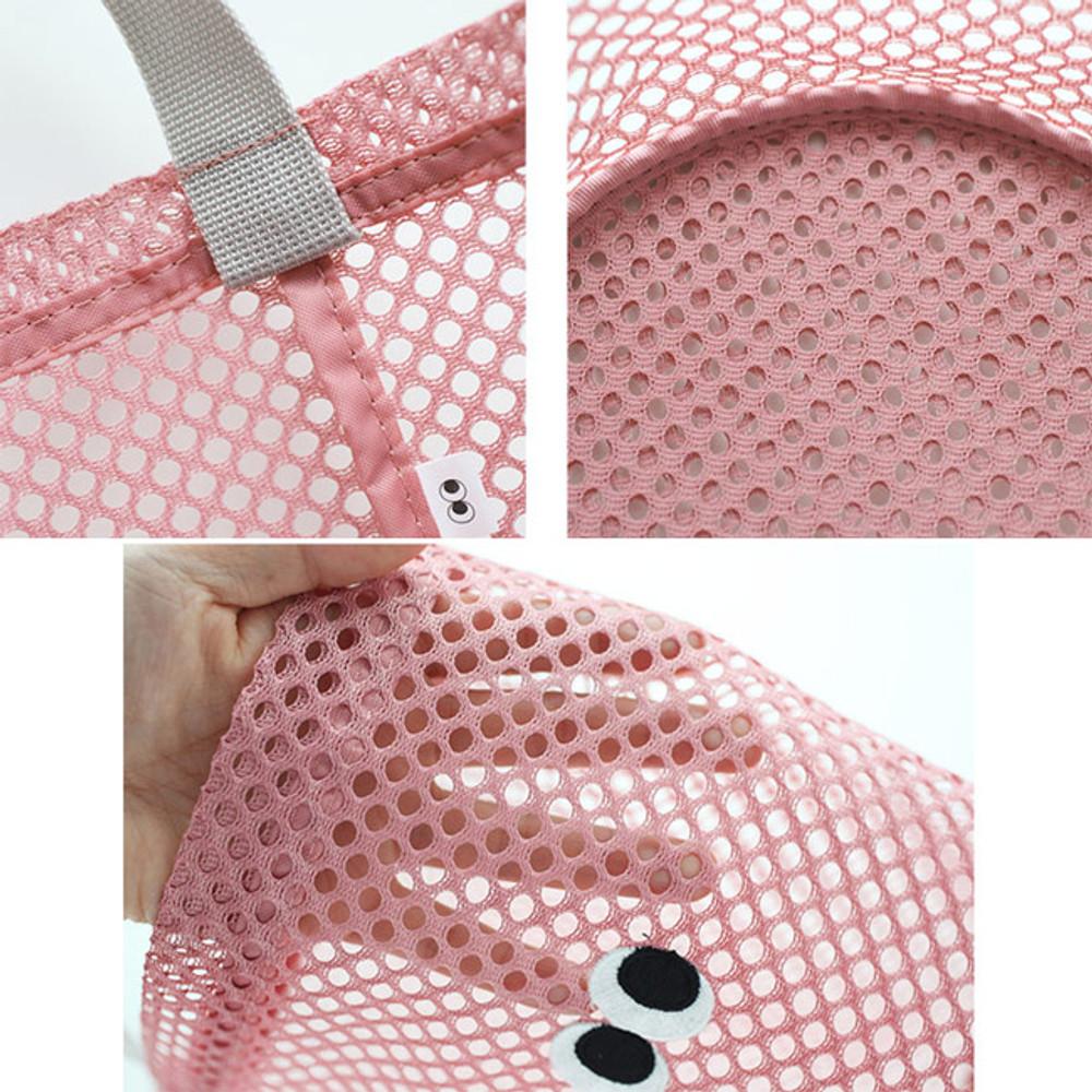 Detail of Som Som stitch mesh tote bag