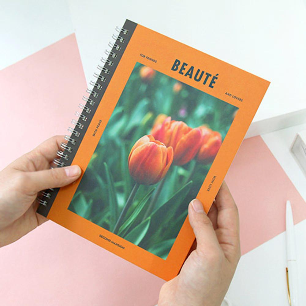 Orange - Spiral daily undated planner scheduler