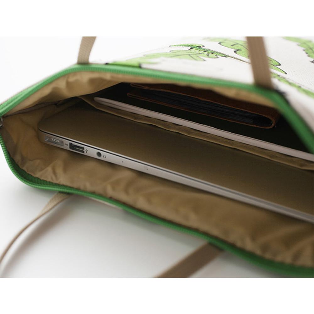 Detail of Jam Jam pattern zipper large tote bag