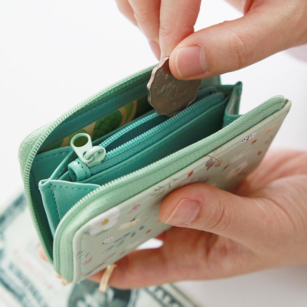 Zippered pocket - Willow pattern half zip around card case wallet