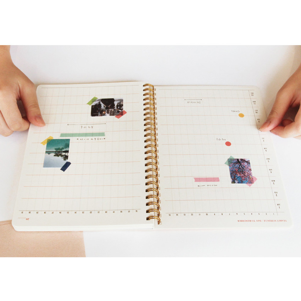 Yearly plan - Brilliant spiral undated weekly diary scheduler