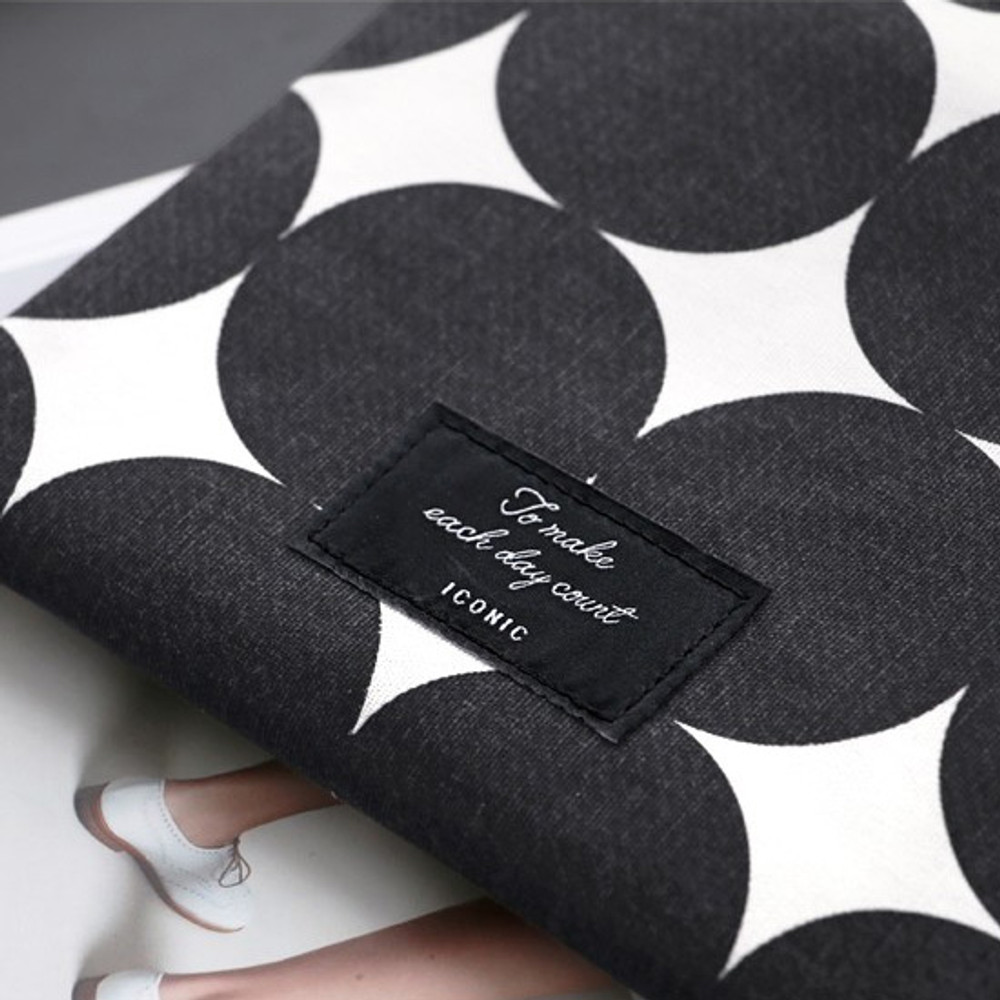 ICONIC Plain cotton flat zipper medium pouch with ring