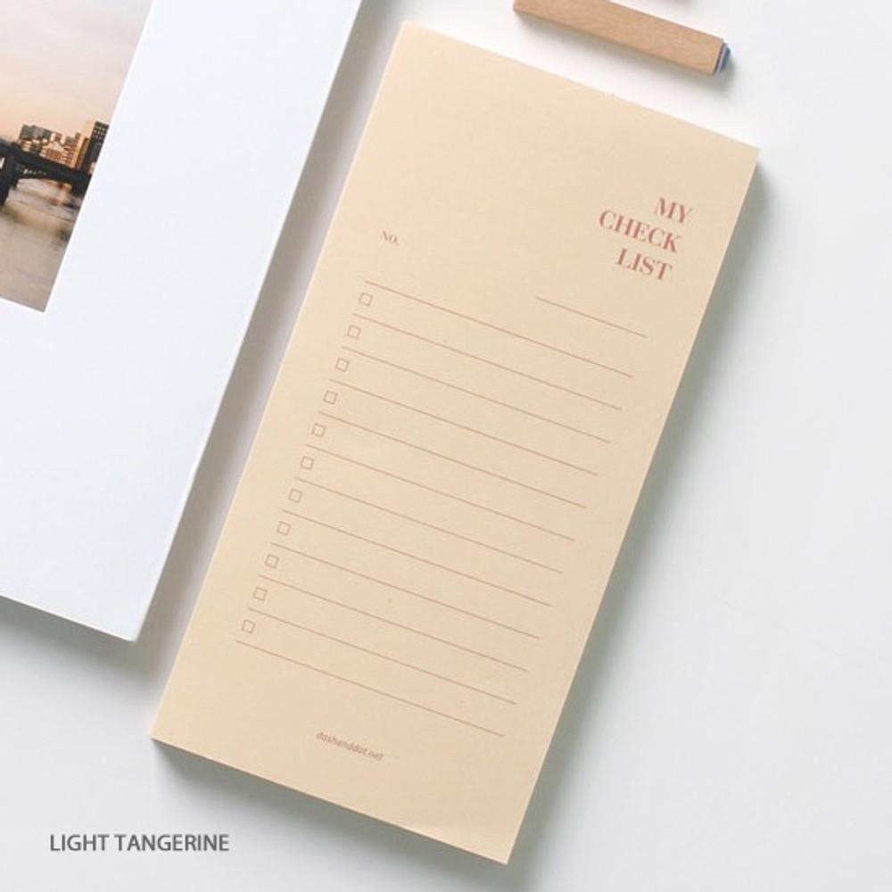 Light tangerine - Dash and Dot My checklist notepad