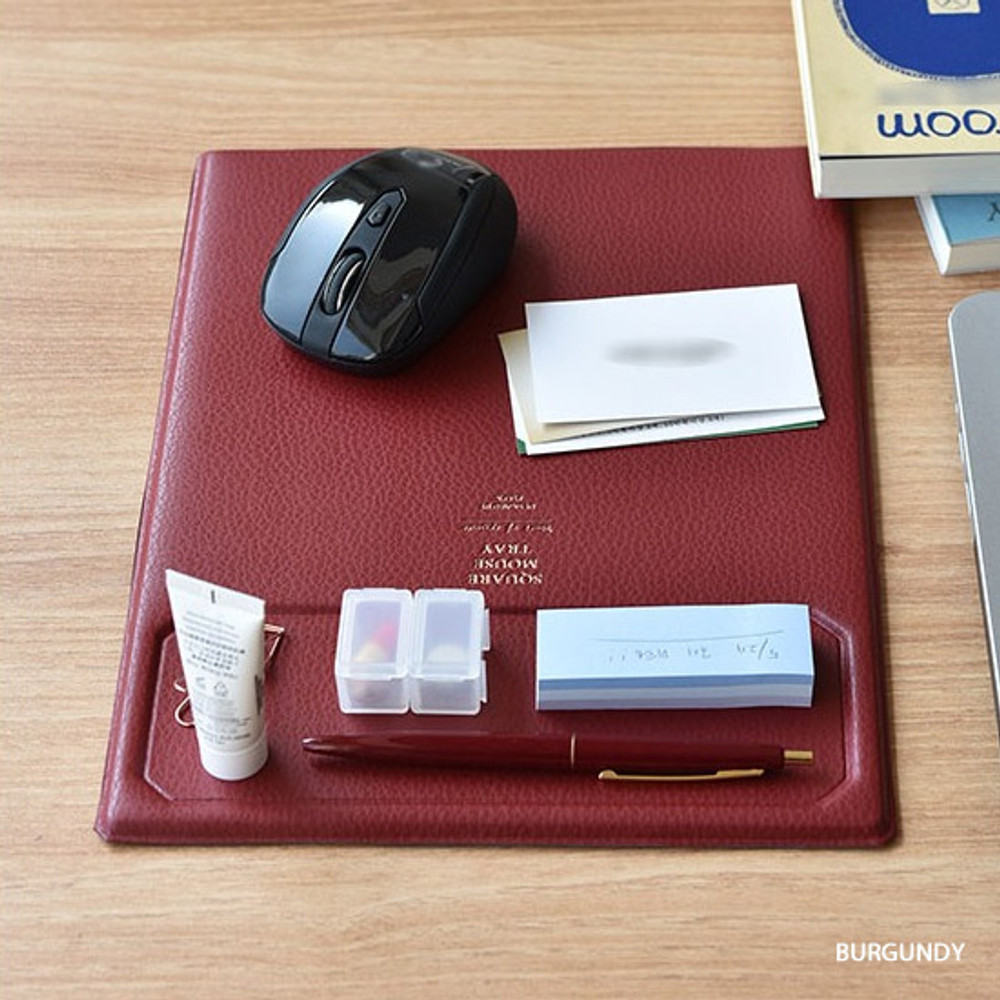 Burgundy - Play obje Square tray with mouse pad