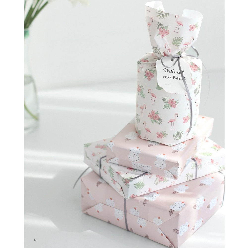 D - ICONIC From my heart cute gift wrapping paper set