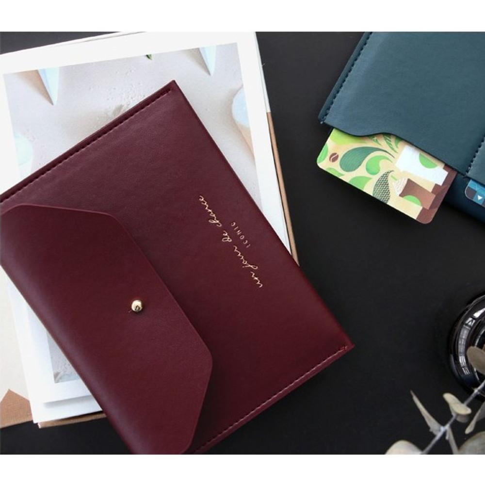 Burgundy - Un jour de chance pocket flat wallet