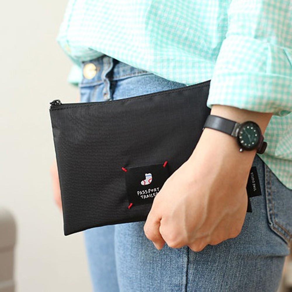 Short - Long or short water resistant passport pouch