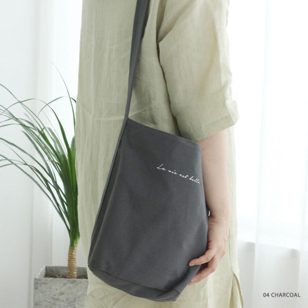 04 Charcoal - La vie est belle canvas fabric shoulder bag