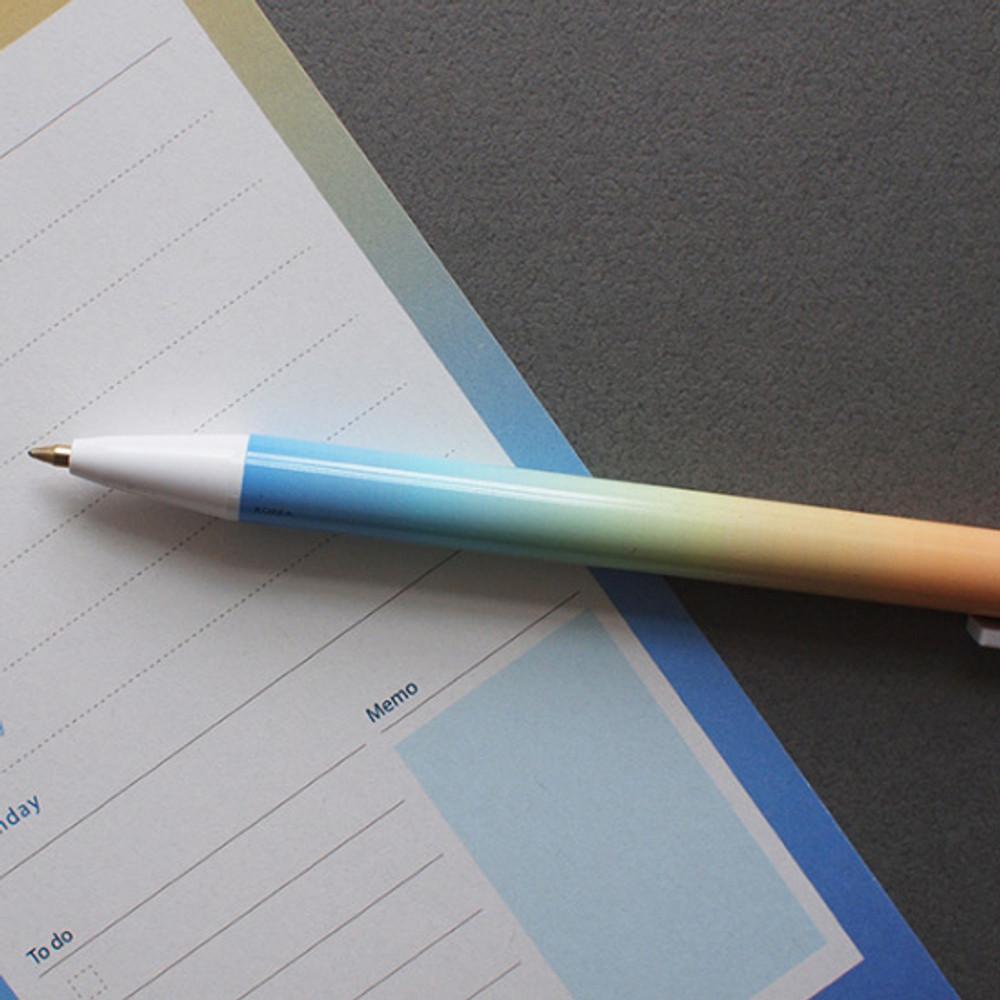 Beach - Gradation knock black ink 0.38 mm ballpoint pen