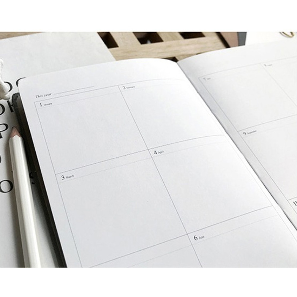 Yearly plan - The time planner small undated daily diary agenda ver3