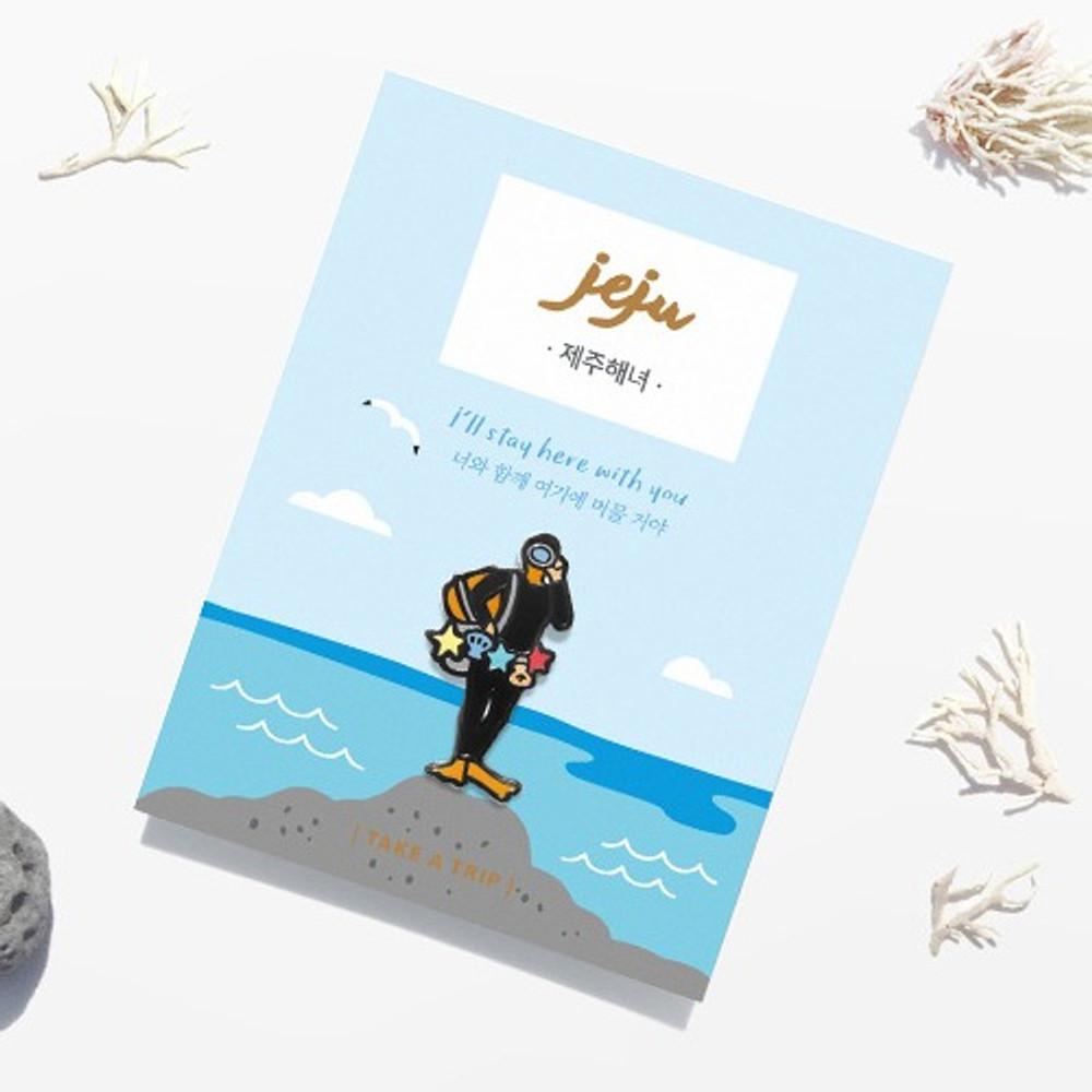 gyou The Jeju haenyeo pin badge