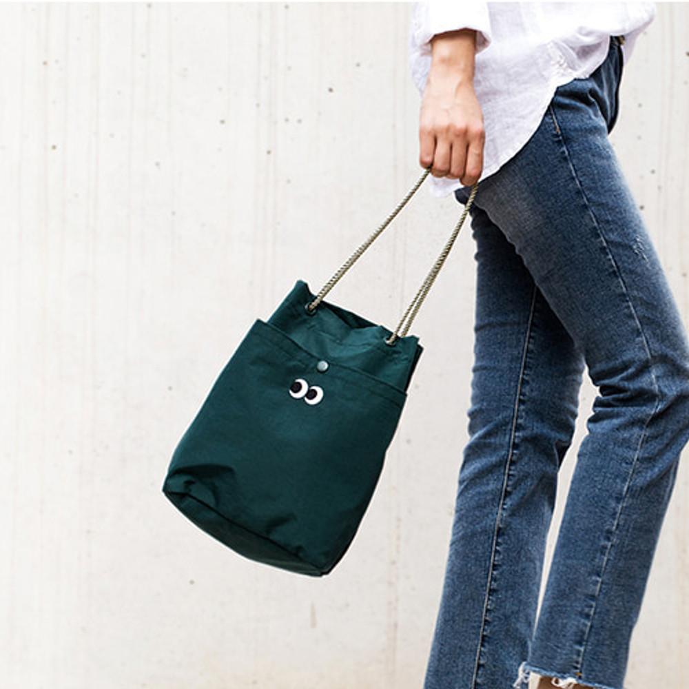 Green - Som Som durable taslan bucket shoulder bag