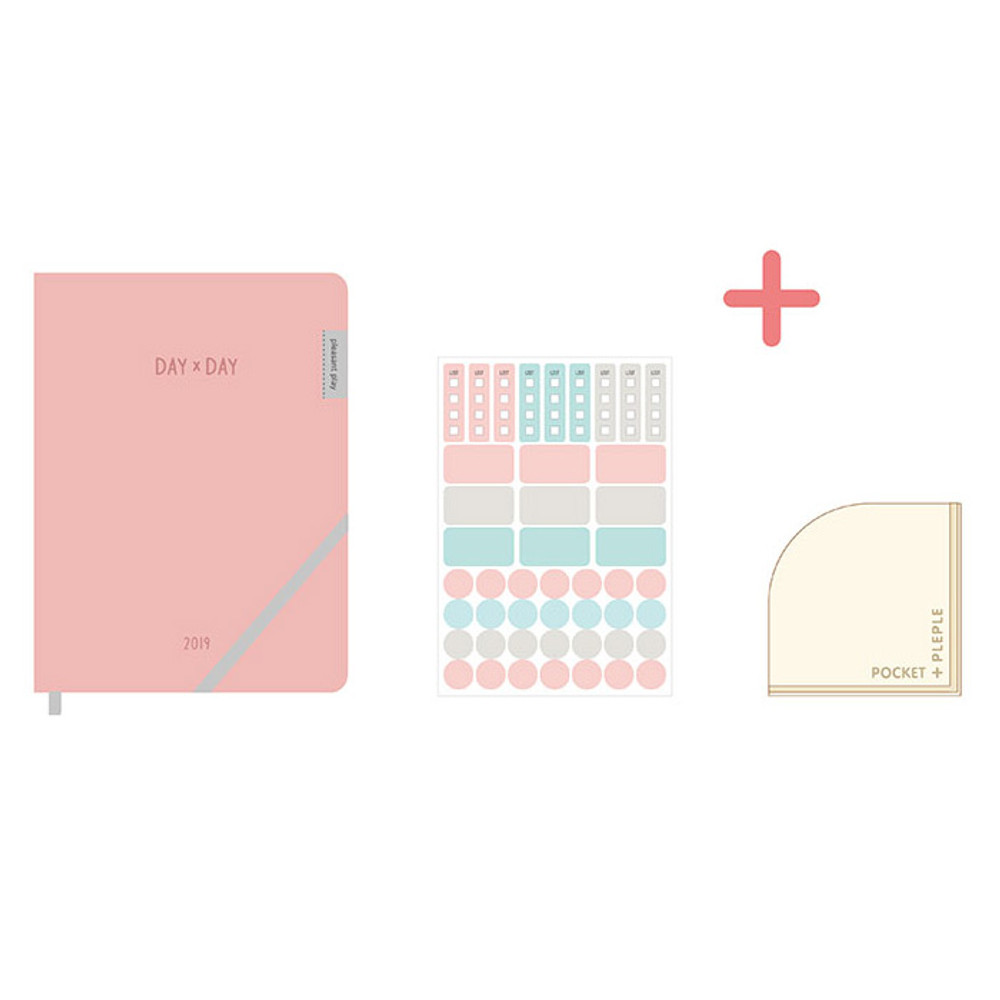 Composition of 2019 Day by Day large dated weekly diary