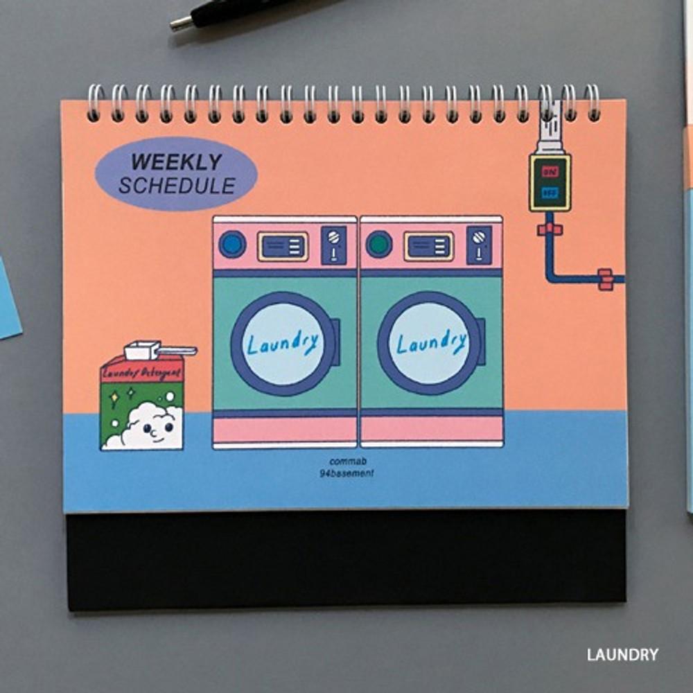Laundry - 6 months undated weekly desk scheduler