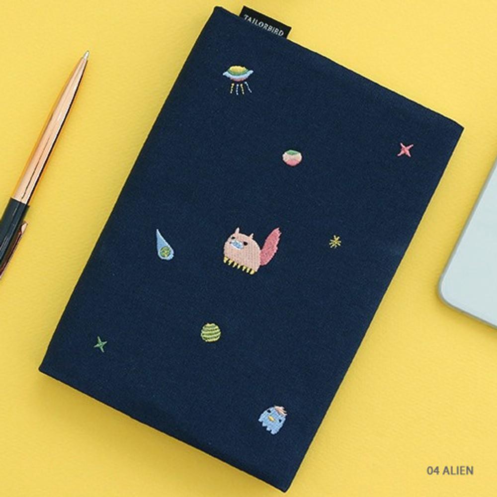 04 Alien - Tailorbird pattern dateless weekly planner
