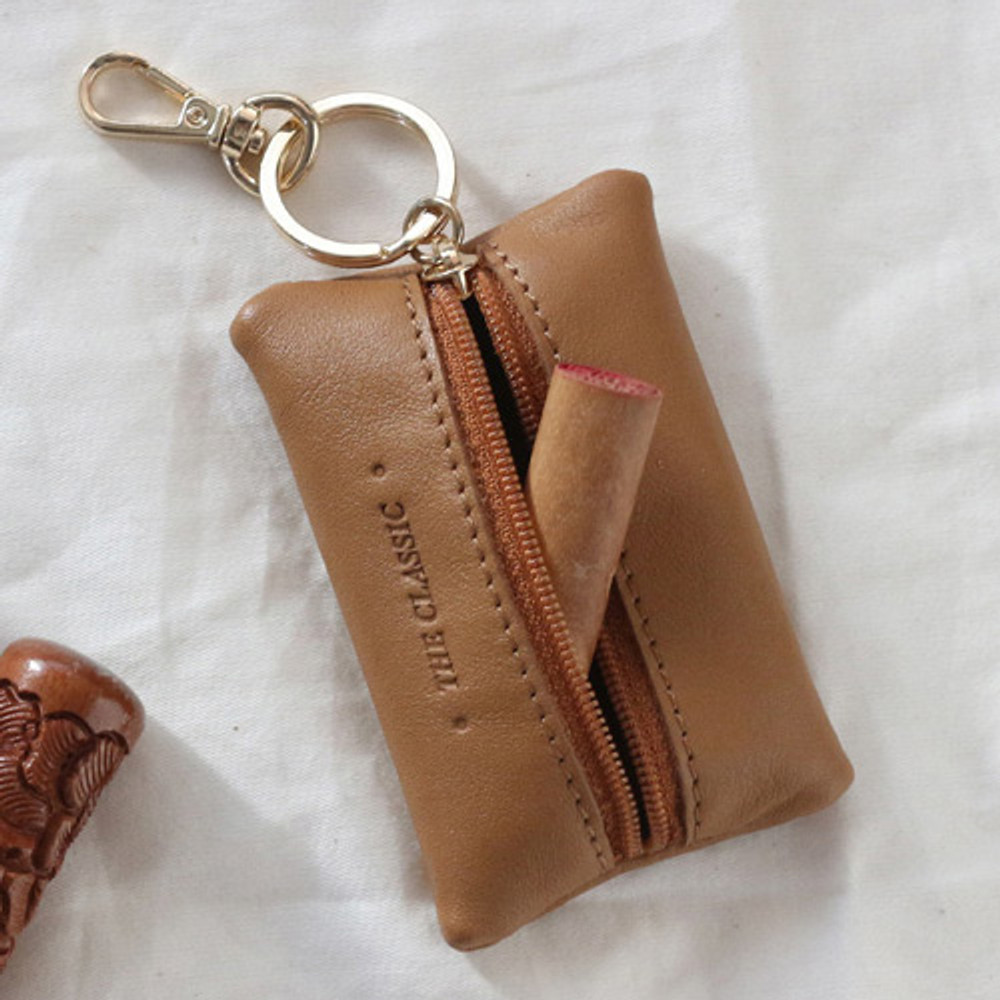 Example of use - Classic cowhide leather small zipper pocket with key ring
