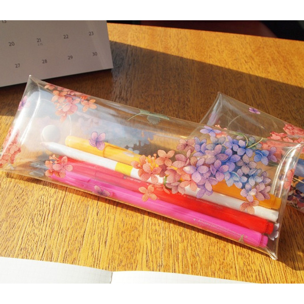 Example of use - Moons friends flower clear folding pencil case