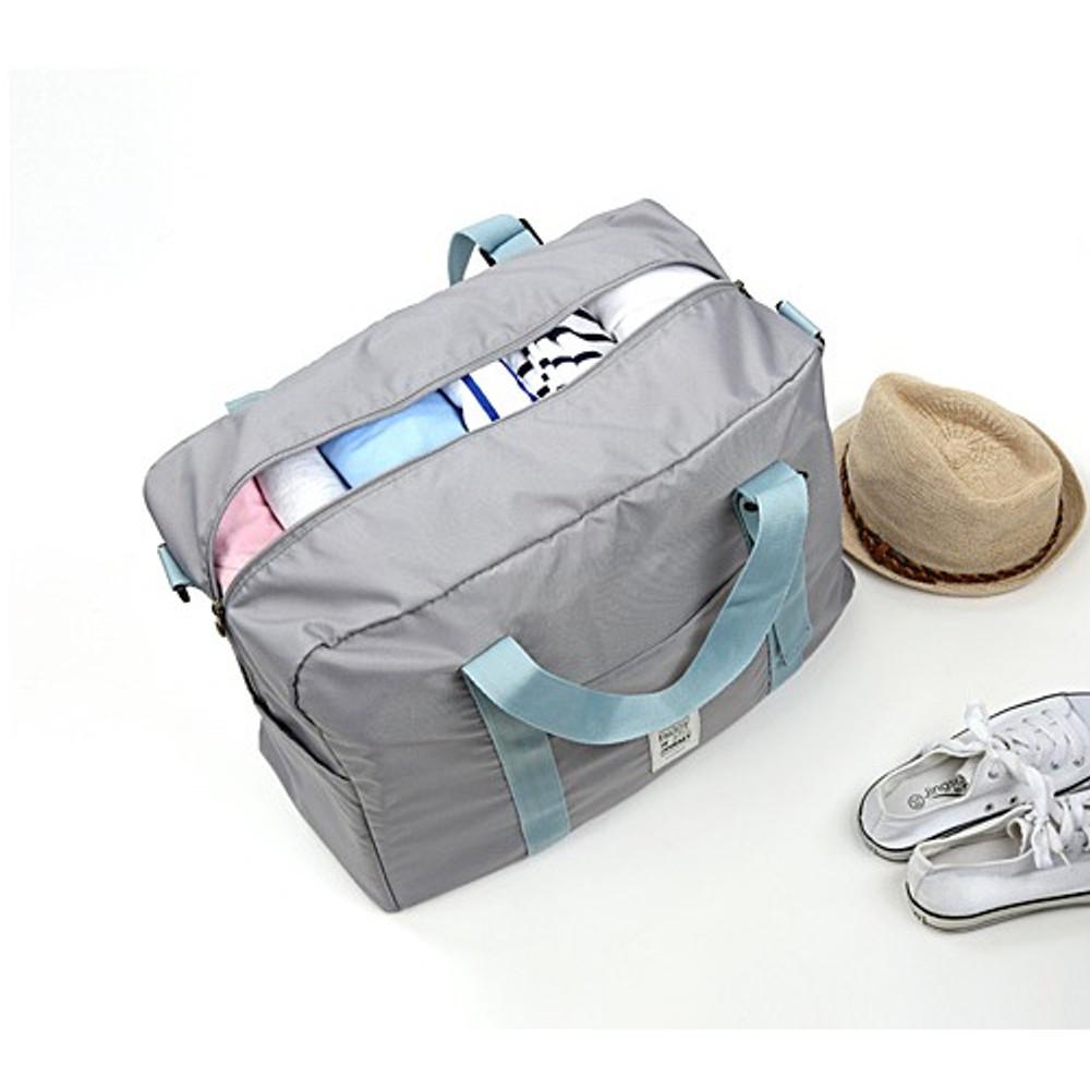 Large capacity - Easy carry large travel foldable duffle bag