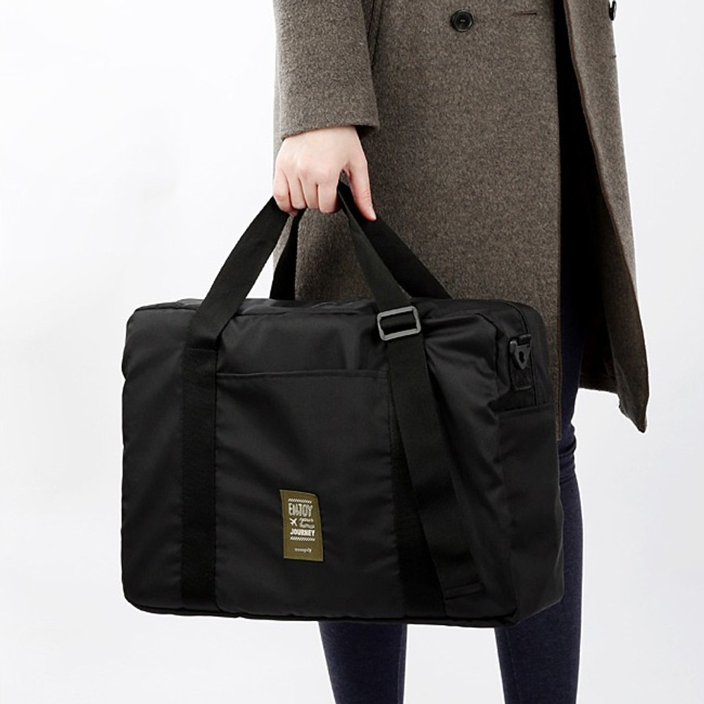 Example of use - Easy carry large travel foldable duffle bag