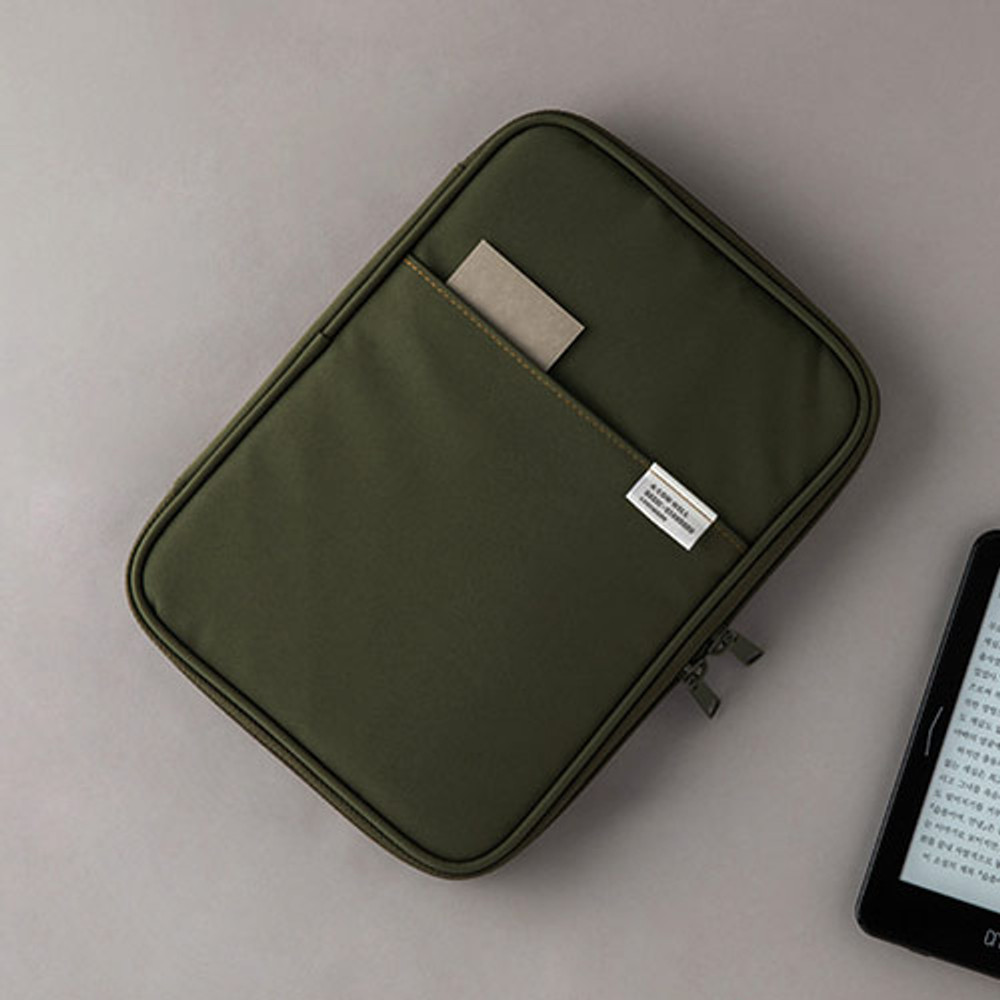 Example of use - A low hill basic pocket book reader diary pouch case ver5