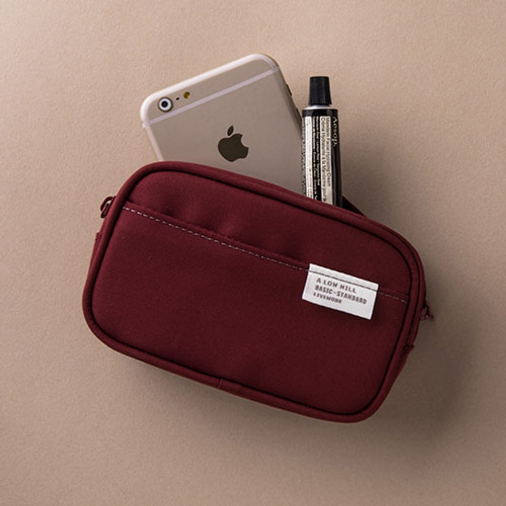 Example of use - A low hill basic pocket camera zipper pouch case ver5