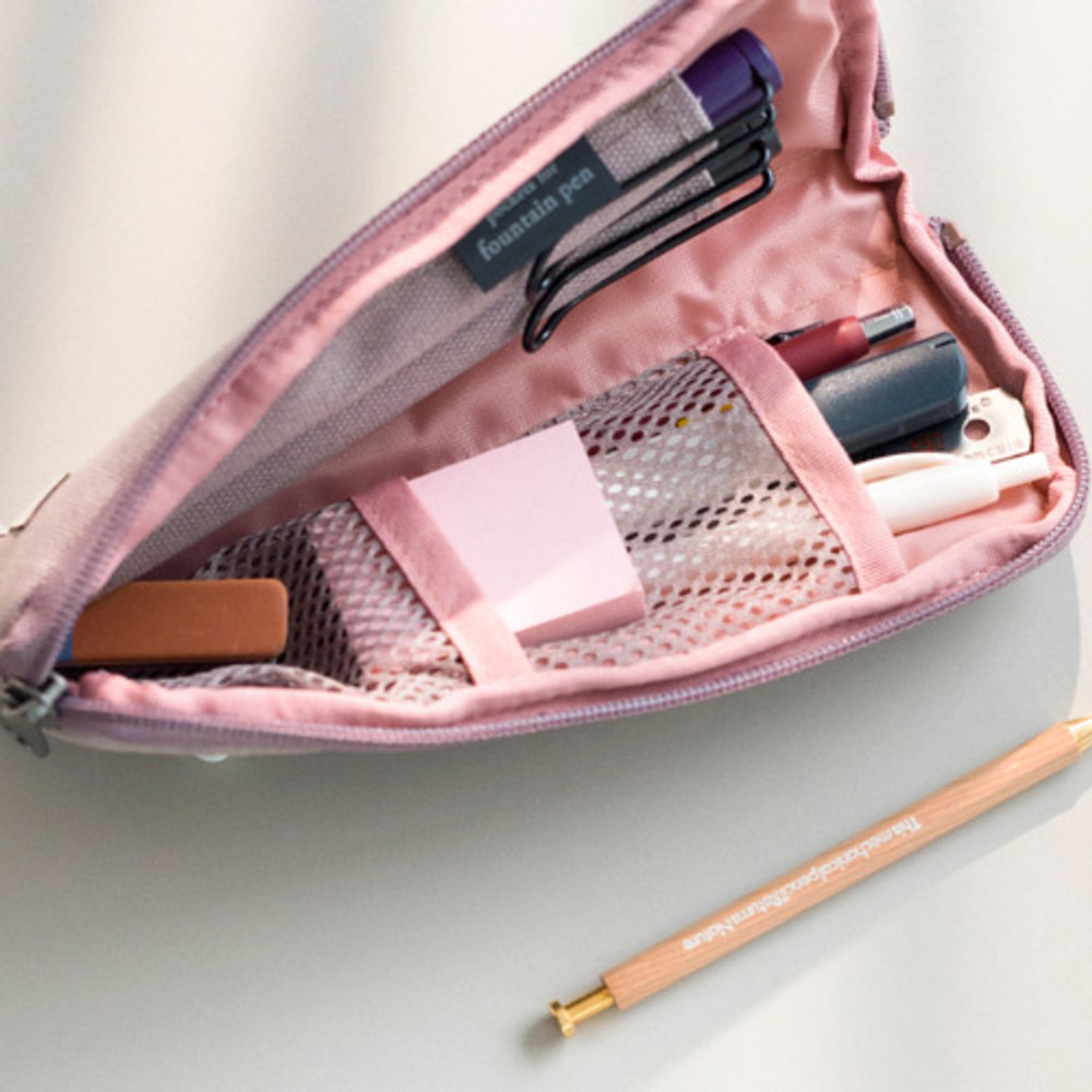 Example of use - Oxford half zip around pocket pencil pouch
